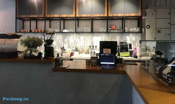 souffle-dessert-cafe-puchong-jaya-cashier-bar