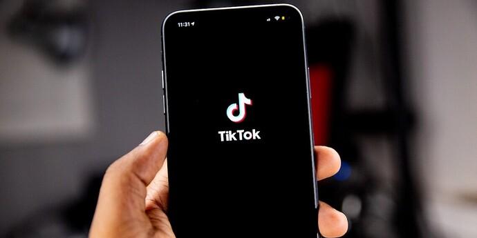 210928-TikTok-billion-users-hero-1140x570