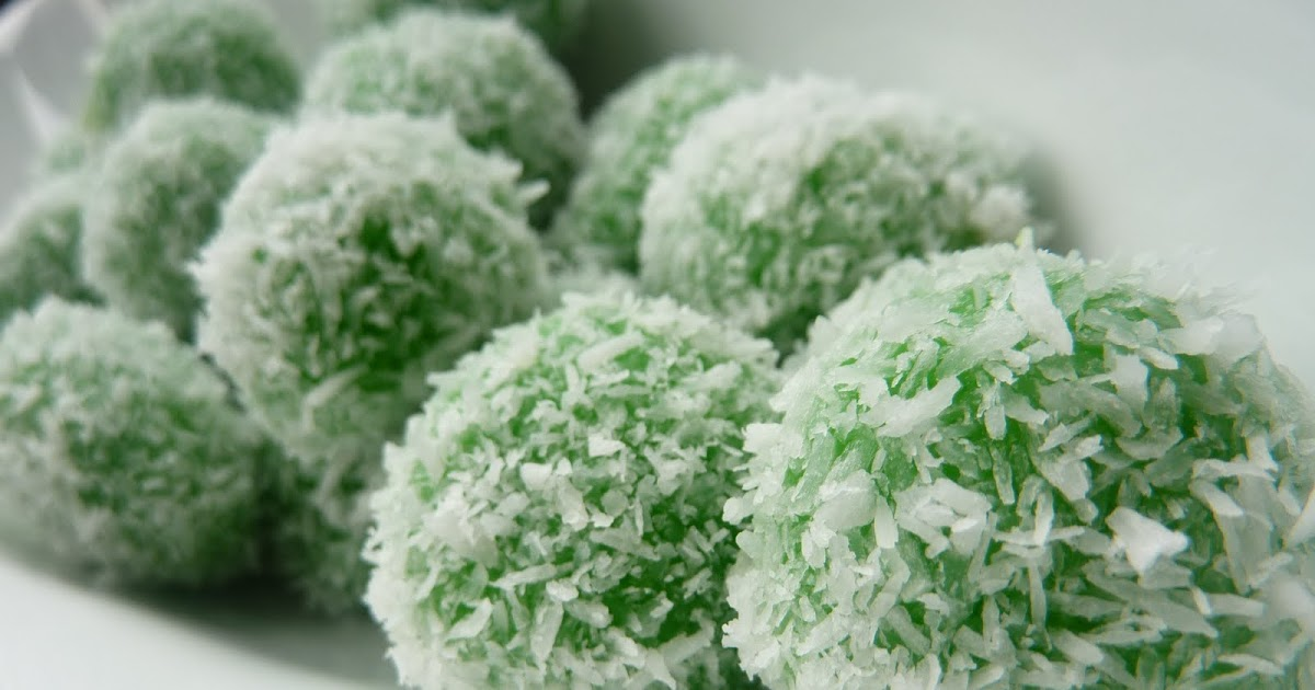 Sweet Coconut Rice Balls (Klepon)