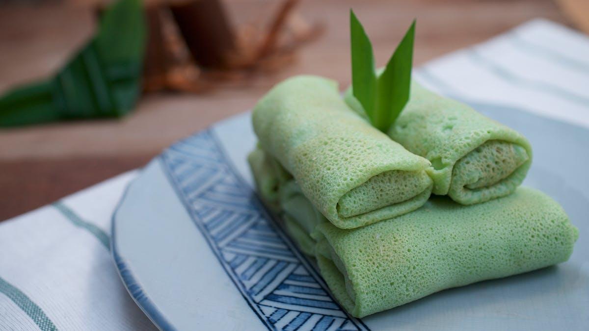 Stuffed Pancake Roll (Dadar Gulung)