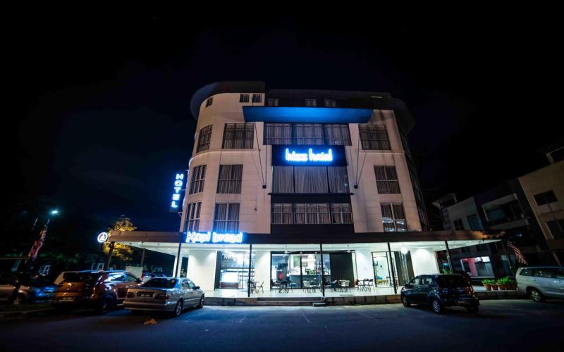 bizz_hotel